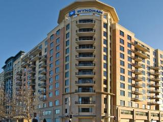 Wyndham National Harbor - Minutes from D.C., Washington DC