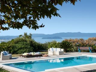 Luxury Villa Mariposa with panoramic sea view, Acrotiri