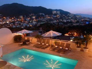 Located a short walk to the popular Romantic Zone in Puerto Vallarta and Los Muertos Beach
