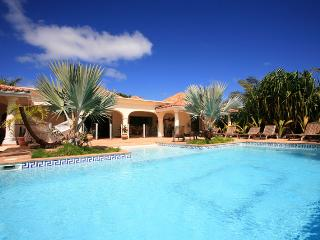 Large and luxurious villa located on Orient Beach, Orient Bay