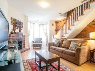 Cap.Hill Luxury3BR1.5 BA-StepsToCapitol&UnionStatn, Washington DC