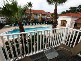 Kissimmee Vacation Home with WiFi and Jacuzzi, 977 Lake Berkley