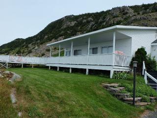 At Ocean's Edge - Beautiful Views and Modern Conveniences