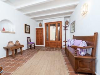 CALVARI - Property for 4 people in Pollença