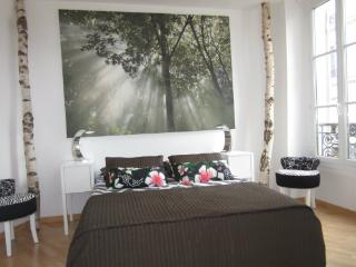 Cosy Apartment  in Heart of Montmartre/ B&B, Paris