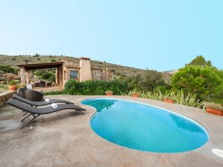CAN FEMENIAS - Villa for 4 people in ARTA