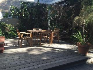 Venice Beach Gem! 2/1 house with 1/1 back studio, Santa Mônica