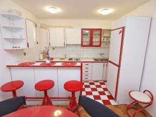 Apartment 2033, Pula
