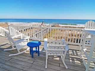 Dave's Beach House- Beautiful 6 Bedroom Oceanfront House, Kure Beach