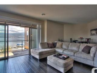 Okanagan Lake Beachfront Penthouse 2 Bedrooms+ Den, Kelowna