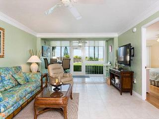 Siesta Key Bay Tree 106, 2 Bedrooms, 2 Heated Pools, Spa, WiFi, Sleeps 4