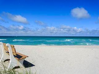 Gulf Holidays 15, 1 Bedroom, Ground Floor, Heated Pool, WiFi, Sleeps 4, Sarasota
