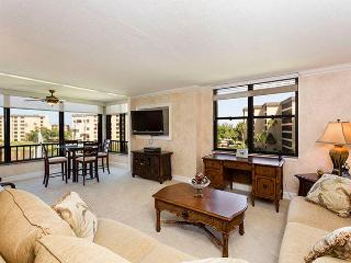 Gulf and Bay Club 409B, 2 Bedrooms, Beach Front, Heated Pools, Sleeps 4, Siesta Key