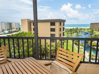 Gulf and Bay Club 701C, 2 Bedroom, Corner Penthouse, 3 Pools, Gym, Sleeps 6, Sarasota