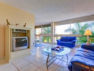 "Palm Bay Club G46, 1 Bedroom, 40"" HDTV, Heated Pool, WiFi, Sleeps 4, Siesta Key"