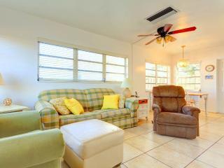 Aloha Kai 50,  2 Bedrooms, Heated Pool, Beach Access, Sleeps 6, Siesta Key