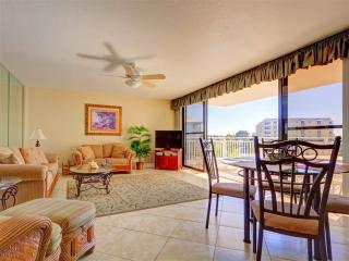 House of Sun 307, 2 Bedrooms, Gulf View, Large Heated Pool, WiFi, Sleeps 6, Siesta Key