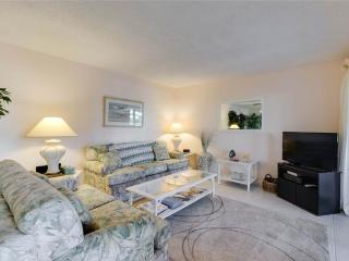 Bonita Beach 154E, 1 Bedroom, Gulf Front Community, Heated Pool, Sleeps 3, Fort Myers Beach