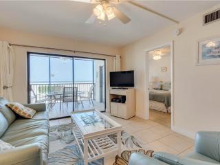 Carlos Pointe 113, 2 Bedrooms, Gulf Front, Elevator, Heated Pool, Sleeps 6, Fort Myers Beach