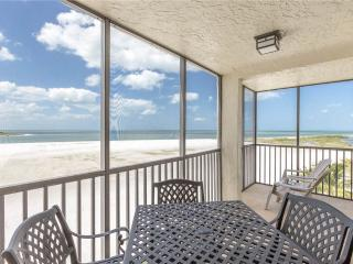 Carlos Pointe 536, 2 Bedrooms, Gulf Front, Elevator, Heated Pool, Sleeps 6, Fort Myers Beach