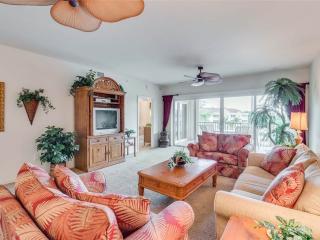 Bella Lago 143, 2 Bedrooms, Elevator, Heated Pool, Tennis, Gym, Sleeps 6, Fort Myers Beach