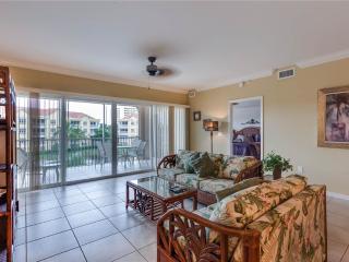 Bella Lago 431, 3 Bedrooms, Elevator, Heated Pool, Tennis, Gym, Sleeps 6, Fort Myers Beach