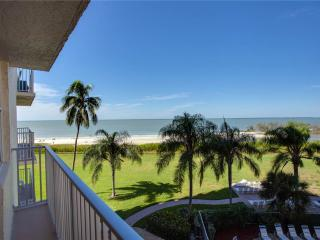 Estero Beach & Tennis 305B, 3rd Floor, Elevator, Heated Pool, Fort Myers Beach