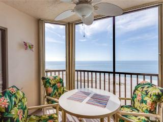 Riviera Club 706, Beach Front, Elevator, Heated Pool, Fort Myers Beach