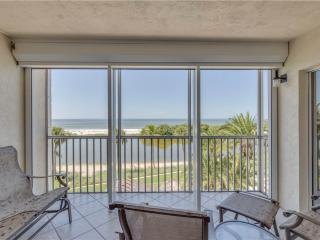 Sun Caper 308, Gulf Front, Elevator, Gym, Heated Pool, Fort Myers Beach