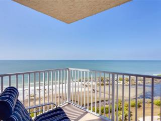 Estero Beach & Tennis 1206A, 1 Bedroom, Elevator, Heated Pool, Sleeps 4, Fort Myers Beach