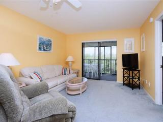 Admiral's Bay 242, 2 Bedrooms, Heated Pool, BBQ, Tennis, Elevator, Sleeps 6, Fort Myers Beach