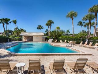 Bay Village 104, 2 Bedrooms, Tennis, Heated Pool, WiFi, Sleeps 4, Westlake