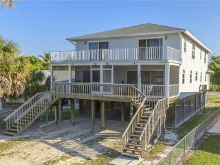 Erwin's Beach House 1, 3 bedrooms, Gulf Views, Fort Myers Beach