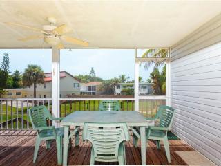 Erwin's Beach House 2, 3 bedrooms, Gulf Views, Fort Myers Beach
