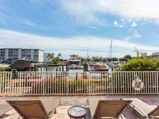 Palm Harbor 204E, 3 Bedrooms, Elevator, Pool, Spa, WiFi, Sleeps 6, Fort Myers Beach
