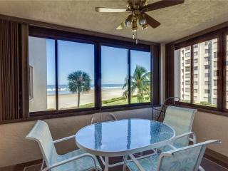 Sandarac A302, 3 Bedrooms, Gulf Front, Elevator, Heated Pool, Sleeps 6, Fort Myers Beach