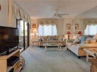 Sandarac B304, Gulf Front, Elevator, Heated Pool, Fort Myers Beach