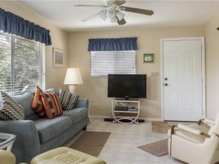 Lazy Way 385, Upper Floor, 2 bedrooms condo - walk to the beach, Fort Myers Beach