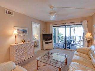 Seaside 204, Gulf Front, Elevator, Heated Pool, Fort Myers Beach
