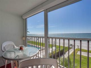 Strandview Towers 203, Beach Front, Pool, Elevator, Sleeps 4, Fort Myers Beach