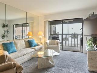 Villa Del Mar 403, Gulf Front, Elevator, Heated Pool, Fort Myers Beach