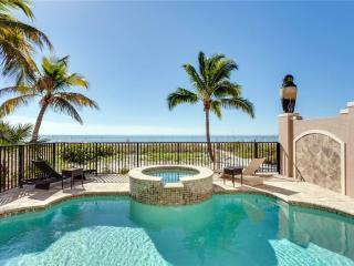 La Casa Bonita, Gulf Front, 5 bedrooms, Heated Pool, Spa, Elevator, Fort Myers Beach