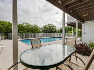 Tropical Shores 3, Ground Floor, 2 Bedrooms, Heated Pool, Fort Myers Beach