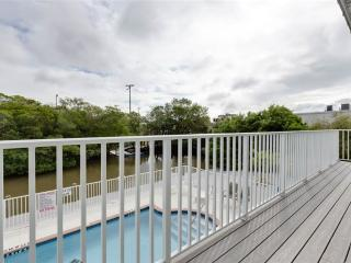 Tropical Shores 4, Upper Floor 2 Bedrooms, Heated Pool, Fort Myers Beach
