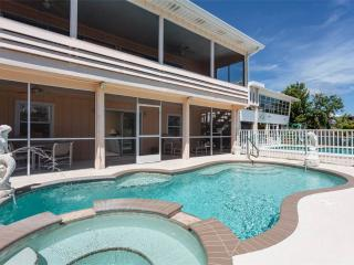 Primo Pool Lower, 2 Bedrooms, Pool, Boat Deck, Fort Myers Beach