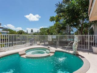 Primo Pool Upper, 2 Bedrooms, Pool, Boat Deck, Fort Myers Beach