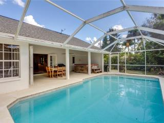 Quiet Retreat, 3 Bedrooms, Heated Private Pool, Sleeps 6, Fort Myers