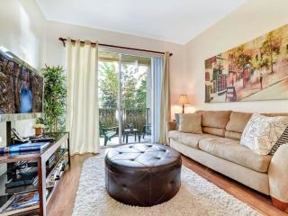 Vista Cay 103, 3 Bedrooms, 3 Pools, Gym, Close to Universal, Sleeps 8, Kissimmee