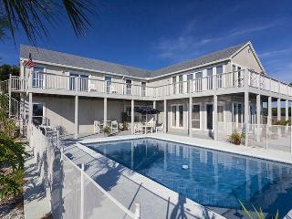 Buccaneer Retreat, 6 Bedrooms, Private Pool, Boat Docks, Events, Weddings, Jacksonville Beach