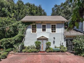 Garden Cottage Ground Level, Studio, Historic St. Augustine, Sleeps 2, Saint Augustine